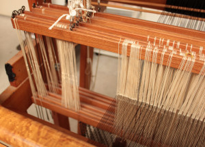 Narrow warp using extra heddles on ends